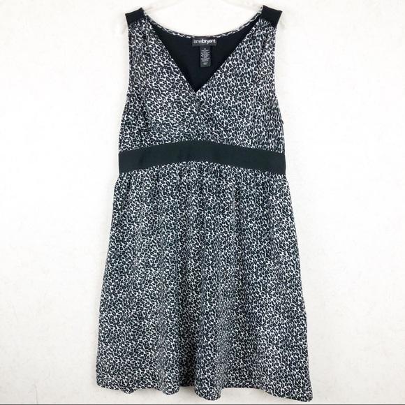 Lane Bryant Dresses & Skirts - Lane Bryant sleeveless leopard dress